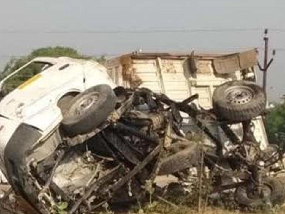 Road accident in Etawah, 6 people died in accident