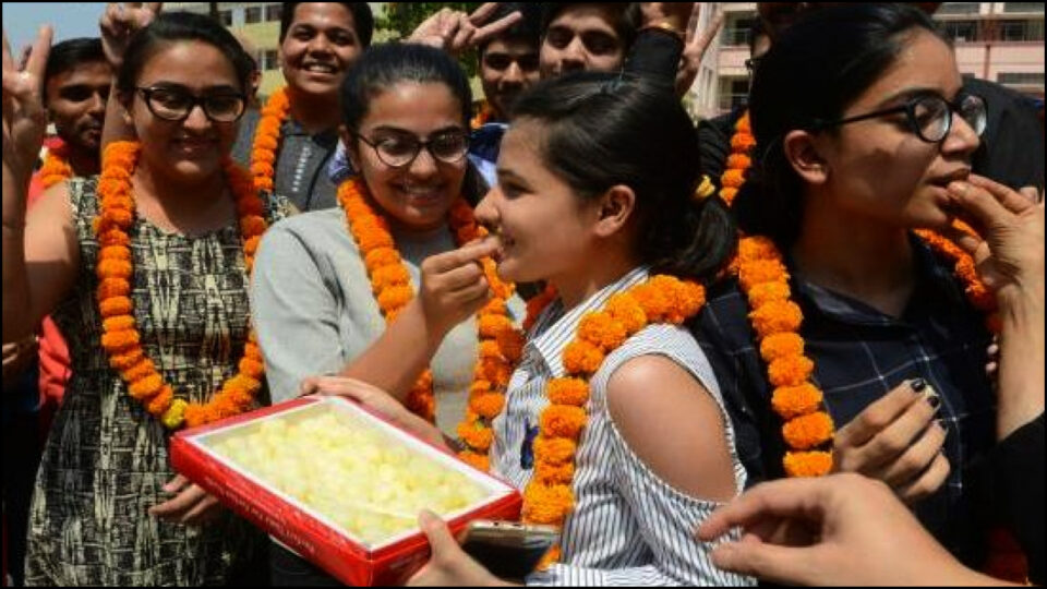 Pragya Kashyap topper in 10th, 100 percent marks - see results